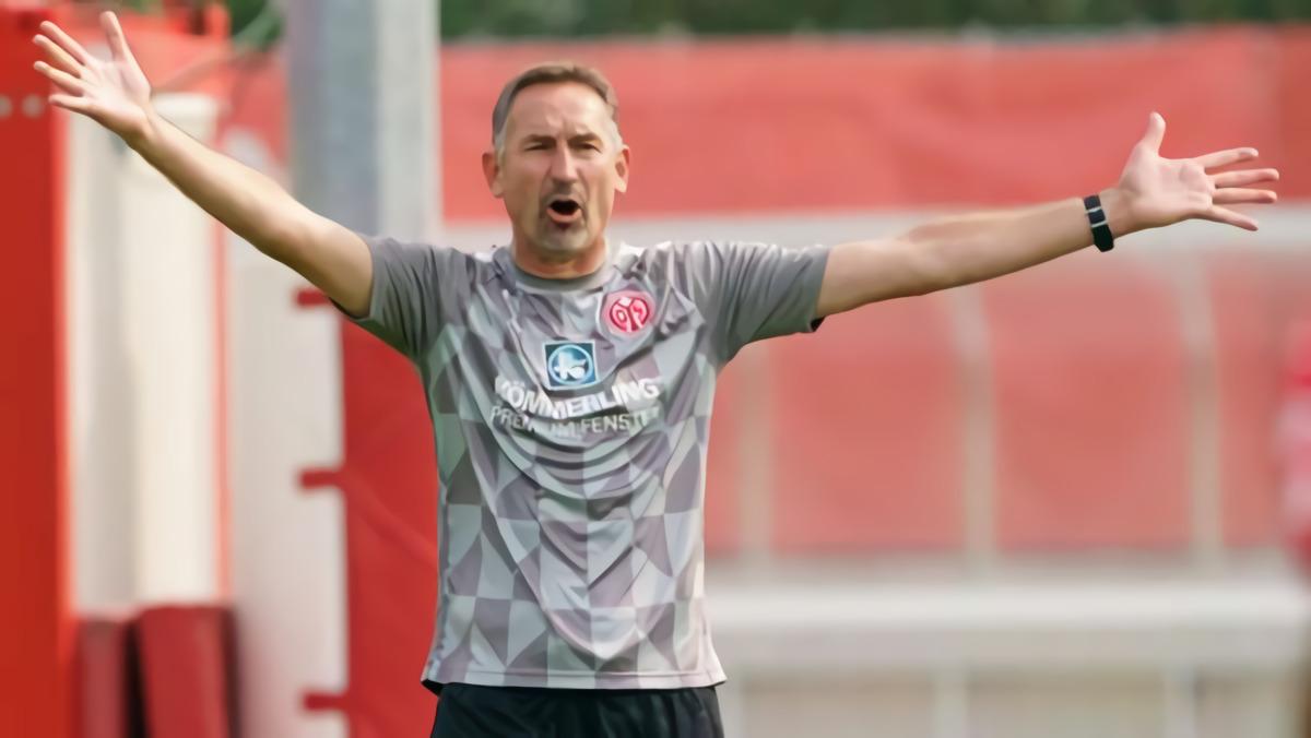 Diwarnai Pemain Mogok Latihan, Mainz Pecat Pelatih