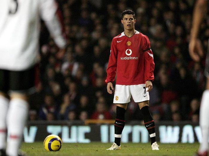 Media Inggris Ungkap Lagi Hasrat Cristiano Ronaldo Balik ke MU