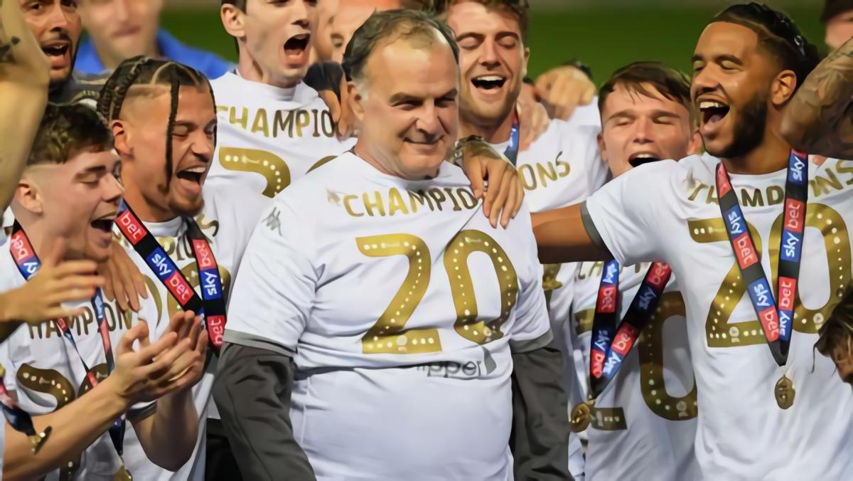 """""""Sosok Mulia Dengan Nilai-Nilai Yang Tidak Bisa Dihancurkan"""" – Bagaimana Leeds United Arahan Marcelo Bielsa Jadi Tim Favorit Di Argentina"""
