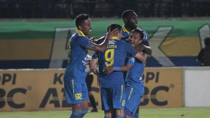 Arema FC: Dua Striker Impor Persib Bandung Mesti Diwaspadai