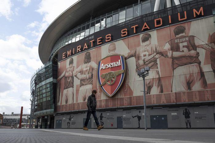 Liga Disetop Sementara, Arsenal Tetap Gaji Para Staff