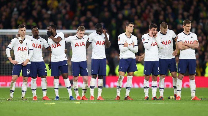 Jelang Lawan MU, Tottenham Dikalahkan Tim Juru Kunci