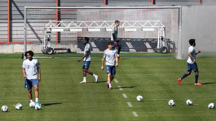 Bek Bayern: Latihan Lagi seperti Kembali ke Sekolah
