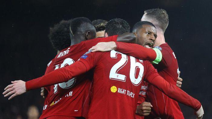 Gary Neville Siapkan Olok-olokan Baru untuk Liverpool