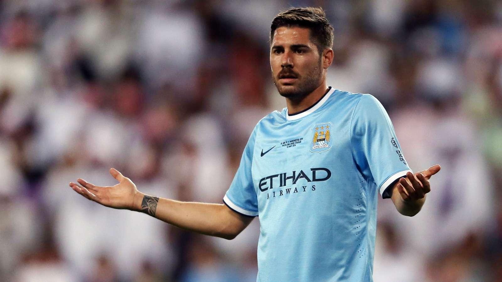 Javi Garcia: Manchester City Adalah Klub Binatang Buas!