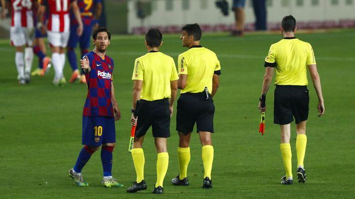 Duh, Messi… Di Akhir Pekan Dorong Lawan, Kini Main Injak