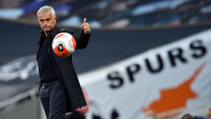 Begini Cibiran Jose Mourinho ke Penalti-penalti MU