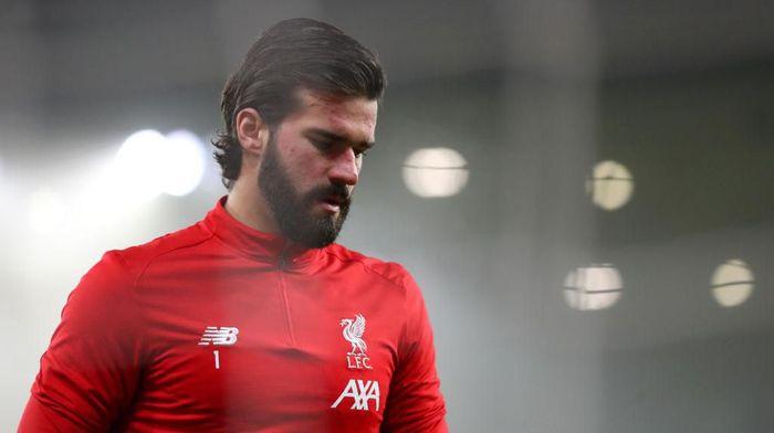 Ada Pandemi Corona, Alisson Kekeuh Latihan di Markas Liverpool