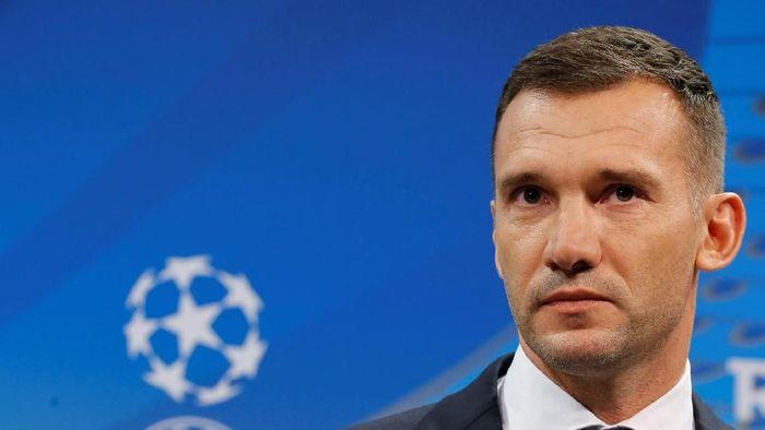 Shevchenko Kepengin Latih Klub, Antara Premier League atau Serie A