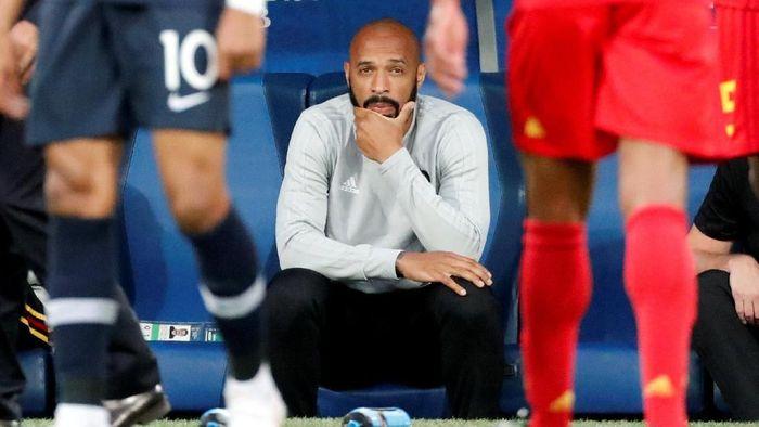 Barcelona Juga Incar Thierry Henry untuk Gantikan Setien?