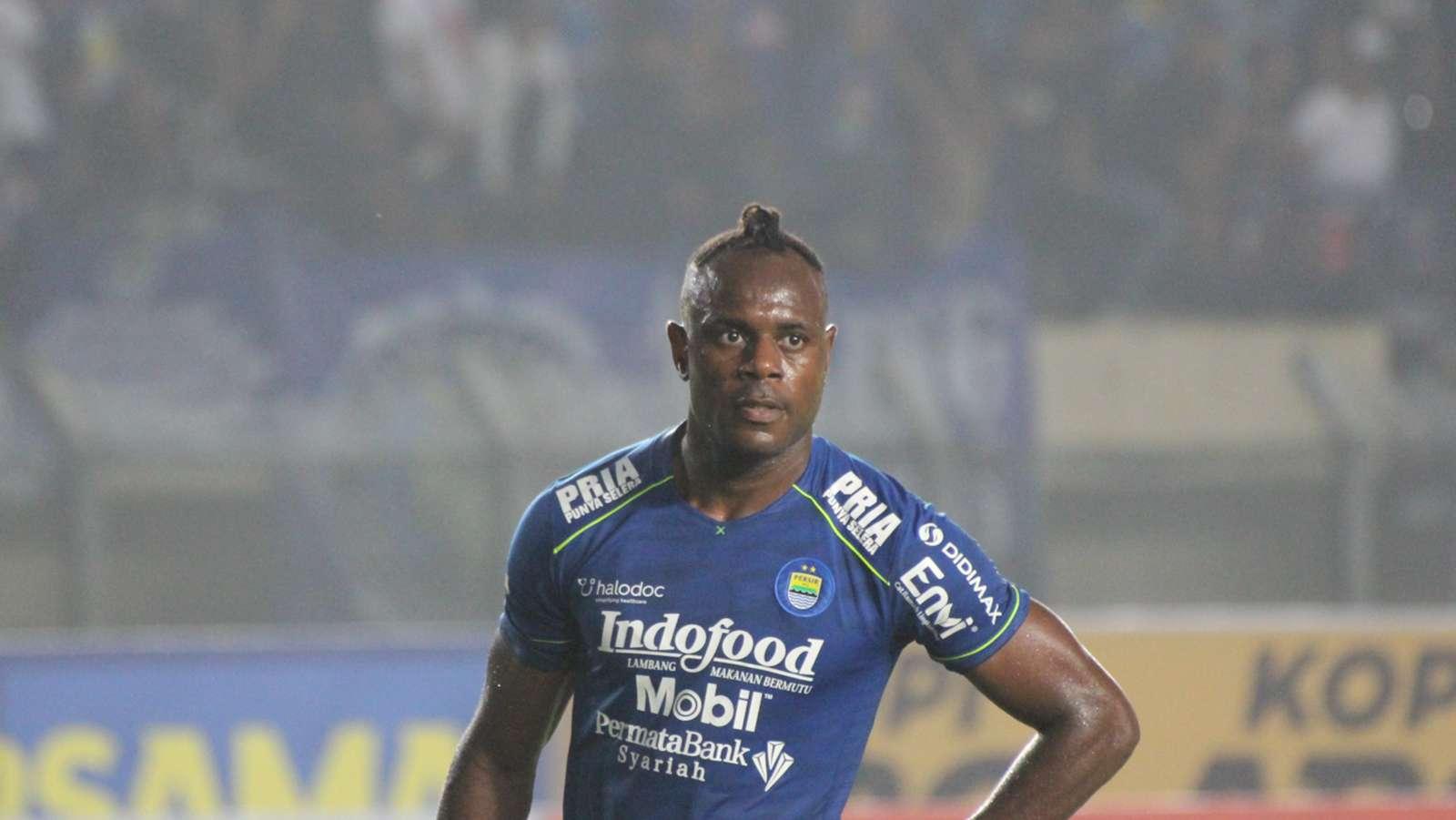 Victor Igbonefo Tak Masalah 'Kick-Off' Lawan Arema FC Berubah