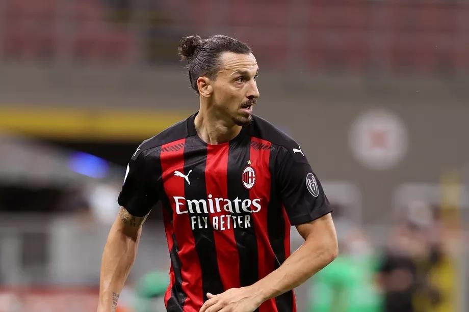 RESMI: Zlatan Ibrahimovic Perpanjang Kontrak Di AC Milan